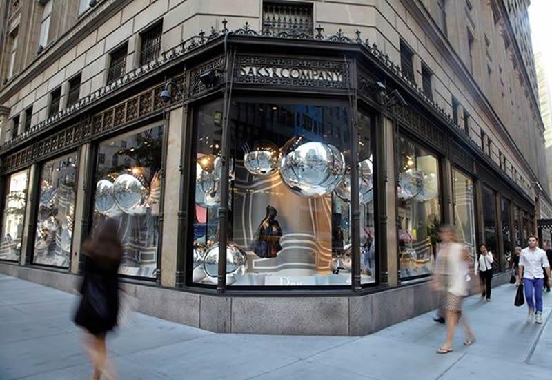 Dior_Saks_Fifth_Avenue_windows_main